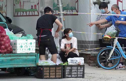 郑州:封控区的生活(图)