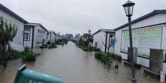 """18号台风""""温比亚""""移动路径及影响"""