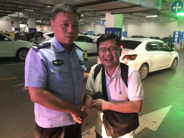 韩国籍游客不慎遗失手机 开封民警热心助力寻回