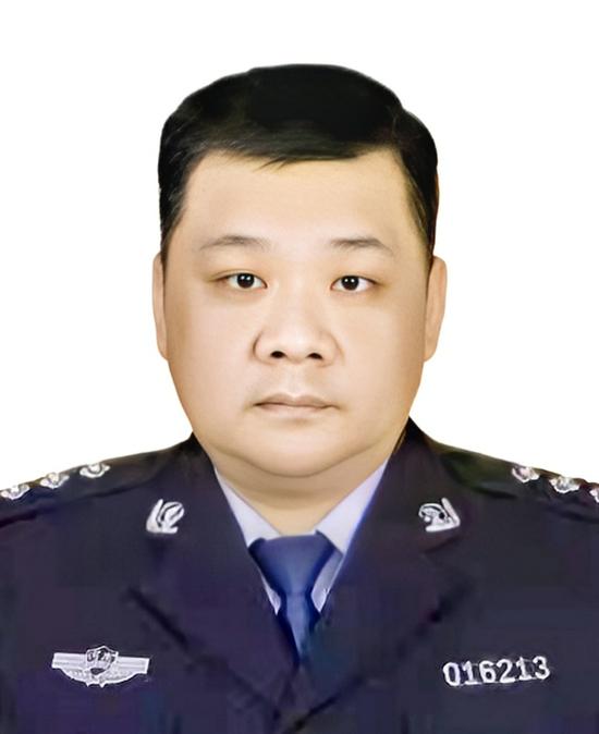 郑州一民警国庆假期突发疾病不幸殉职 年仅43岁