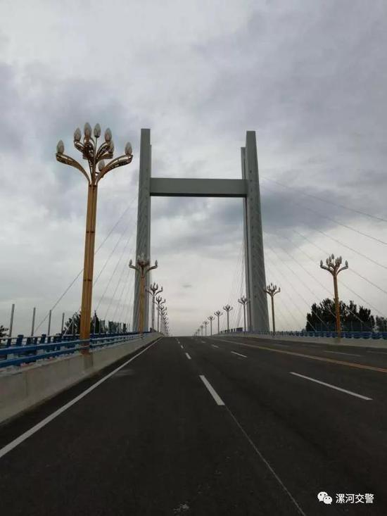此图为中山路上跨立交桥