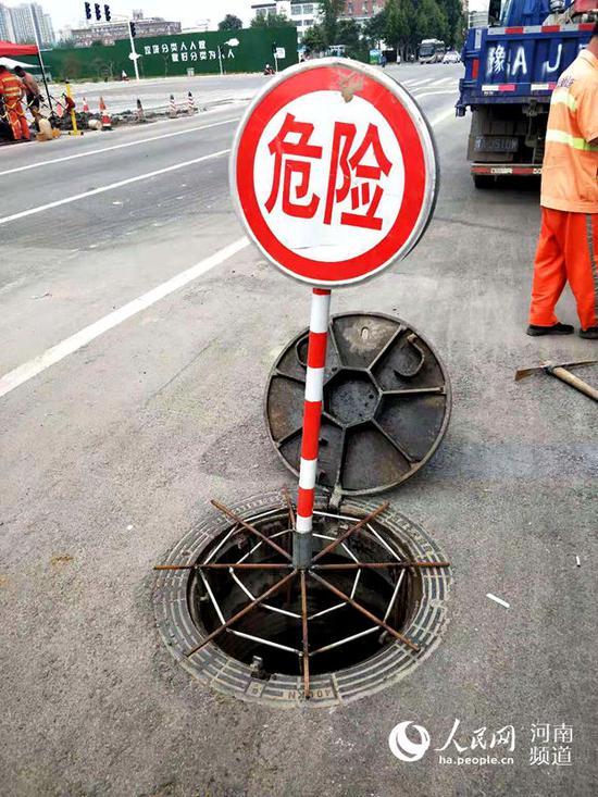 郑州城管发明的雨水管涵减压装置