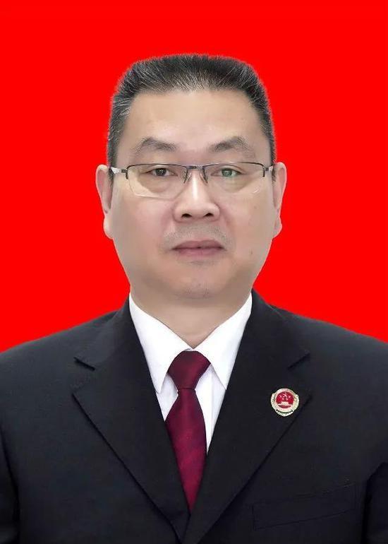 河南省巩义市人民检察院 员额检察官周剑威