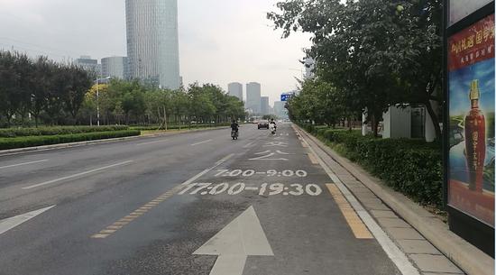 堵的路上画了专用道,可能会形成一条不堵的路