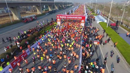 君乐宝2019郑开国际马拉松赛
