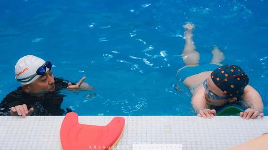 游泳教学时间到~