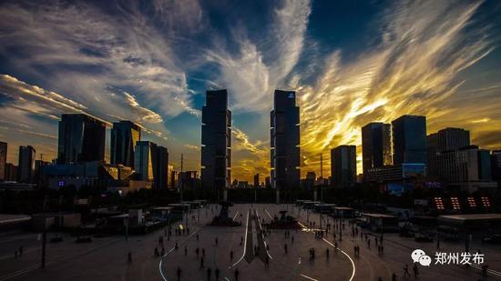 ●东站双子塔 摄影:李保国
