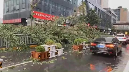 郑州多处积水严重