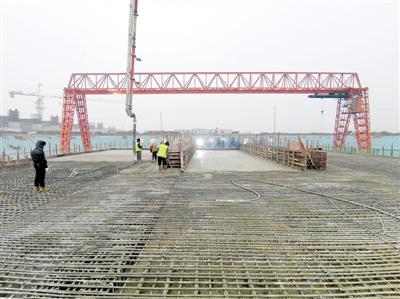 郑州南站地铁项目车站主体结构完工