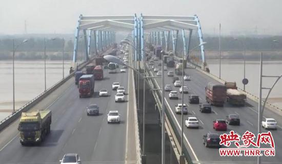 """河南高速交警提醒:避开""""五一""""假期最后一天"""