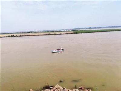 黄河滩区严查违法船只 提醒市民勿冒险乘坐非法快艇