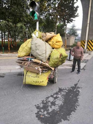 郑州市持续整治老年代步车、电动三轮车等七类重点车辆