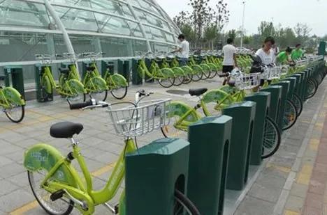 2016年,由于共享单车的出现,郑东新区暂缓了公共自行车计划。