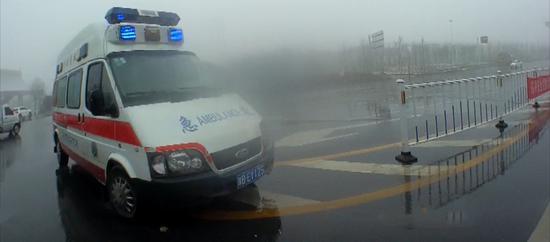 暖心!新乡新生儿紧急转院 已封闭高速专为一人临时打开