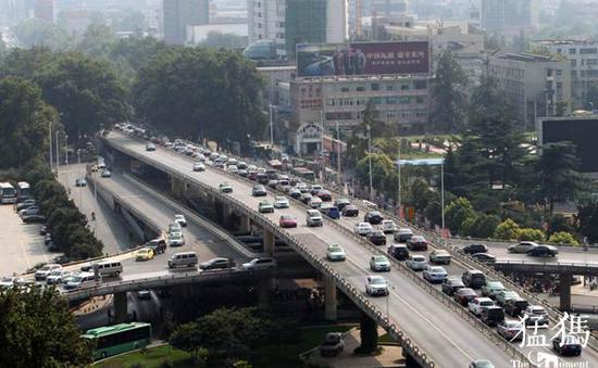 今年7月1日起 河南全省范围内提前实施机动车国六排放标准