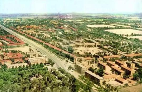 七、八十年代的郑州城区鸟瞰图