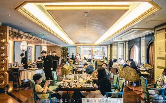 波士顿龙虾、木瓜炖雪蛤!来郑州这家5星级酒店任性吃!