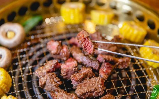 香烤牛舌、冬日标配围炉烧!郑州大口吃肉的烤肉馆子合集