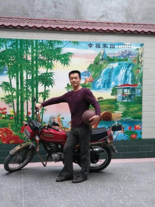 冯军芳生前照片(由西万镇政府提供)