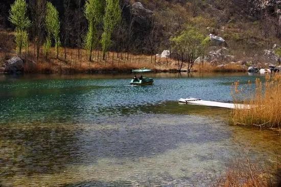 地址:鹤壁市淇滨区大河涧乡境内太行山东麓大峡谷中。