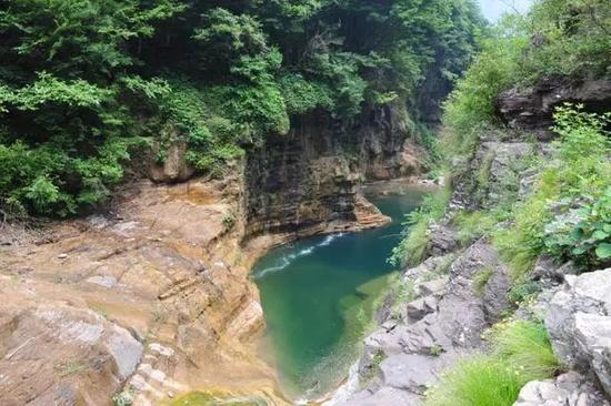 地址:新乡市辉县薄壁镇宝泉村。