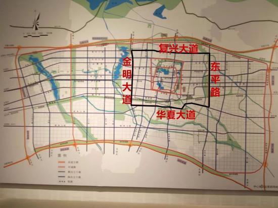 东平路还不完整。复兴大道也需向东延伸,华夏大道东段,目前尚未完工。