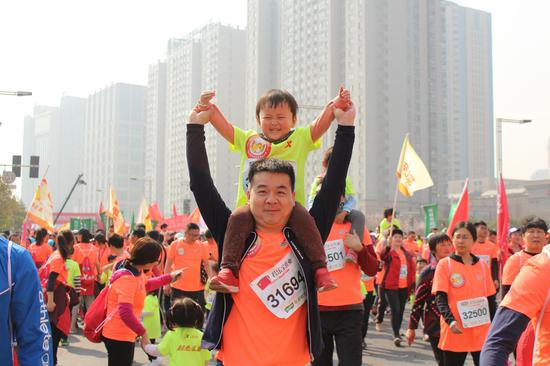 作者:韵动中国·2018君乐宝郑开国际马拉松赛注册大学生记者 魏晓品