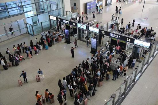 国庆假期郑州发送旅客519万人