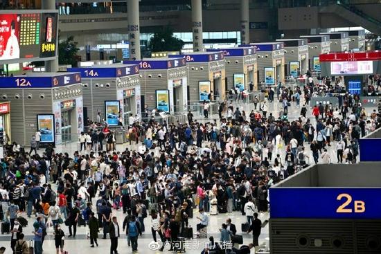 国庆假期郑州铁路加开临客20.5对 满足旅客假期出行需求