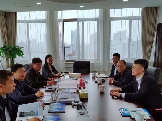 恒丰银行郑州分行主要负责人赴巩义市开展业务调研