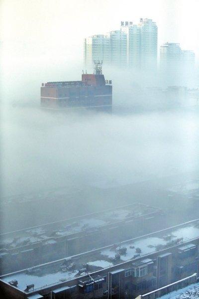 洛阳出现平流雾气象奇观