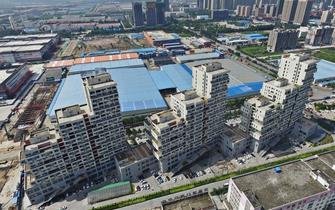 郑州街头奇特建筑群酷似俄罗斯方块