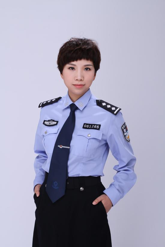 河南省漯河市公安局交通管理支队:李怡