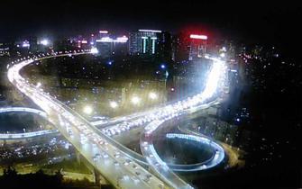 郑州小年夜路况来势凶猛遭吐槽 走哪堵哪