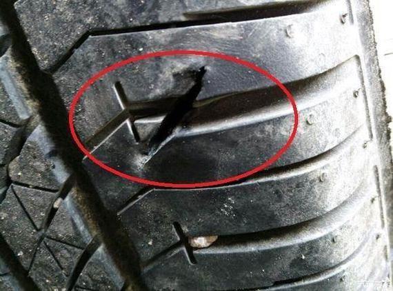 车轮花纹中的石子对汽车有哪些影响