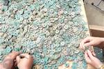 周口村庄胡同里挖出180斤宋朝古币 距今有近千年历史