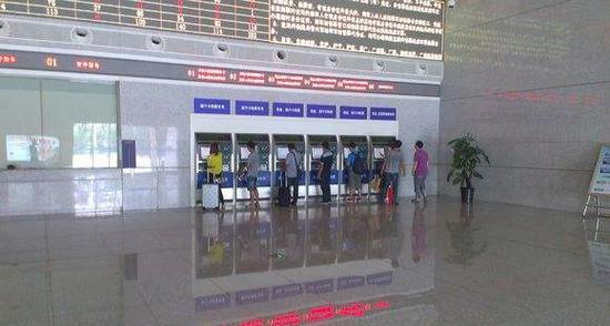 五一假期首日 郑州铁路局预计发送旅客58万人
