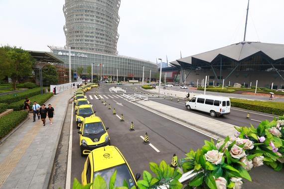 一步用车城市巡游引路人围观