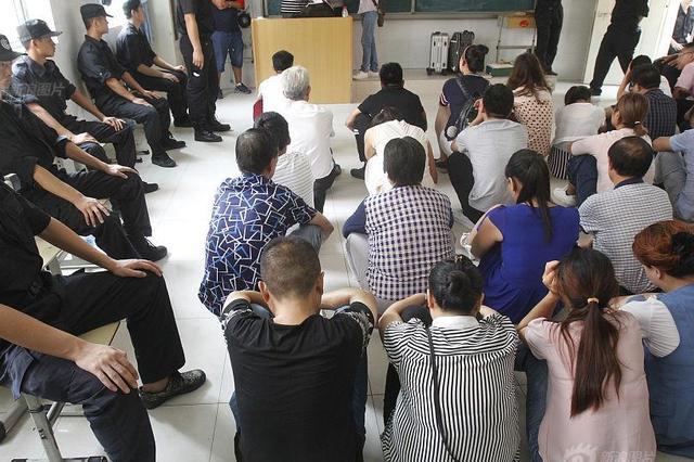 郑州抓获传销人员130余人 一家三代被控制