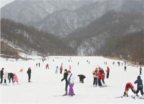 高山滑雪乐园老界岭滑雪场