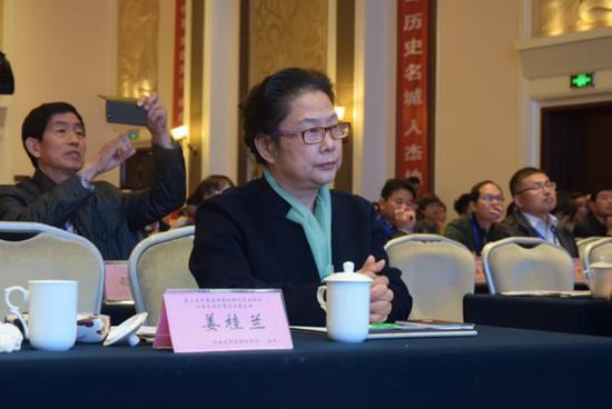 河南省园林绿化协会会长姜桂兰