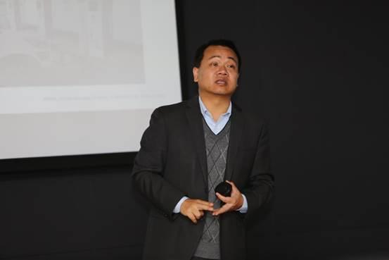 北汽新能源汽车营销有限公司营销传播部副总监曹斌总亲自主讲汽车大讲堂活动