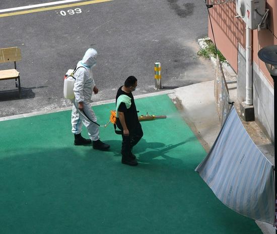 郑州疾控提醒:洪水退后 公共场所要先清污、再消毒