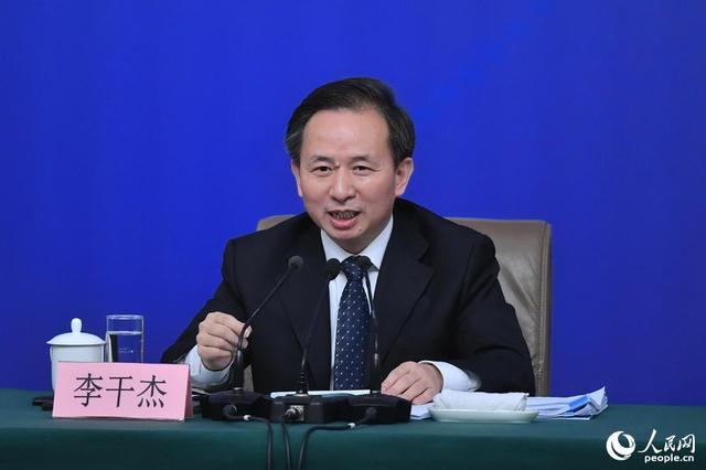 """中国""""洋垃圾""""禁令让外国混乱?环保部部长这样怼回去"""