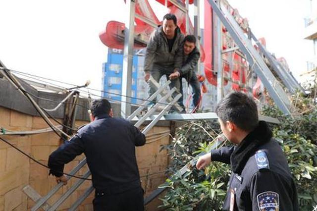 郑州二七区排查出违规屋顶招牌691处 已拆除2070平方米