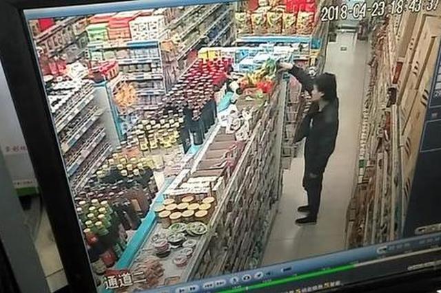 窘境小伙偷泡面被抓 郑州大妈帮买单:给他个机会