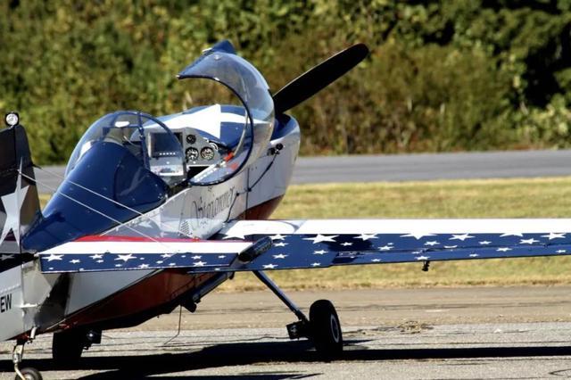 郑州上街机场美国红鹰特技飞机试飞中坠落 1人死亡