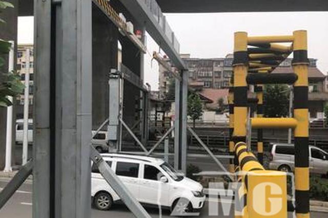 郑州汛期来临 降雨期间不要闯入桥下积水区域