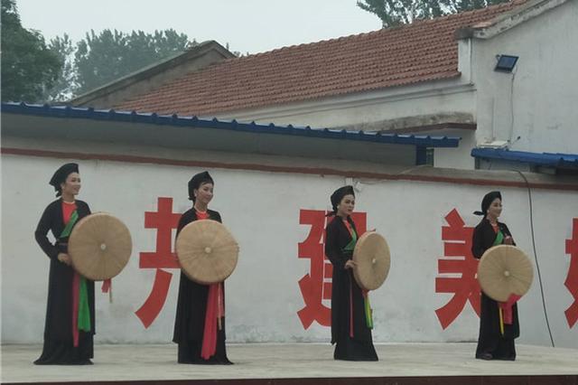 """越南艺术家到周口进村演出 群众称""""大开眼界"""""""