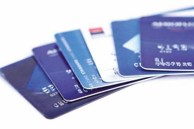 银行卡上有钱不还债 郑州中原区法官强制扣划